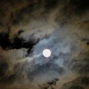 moon-973100_1920