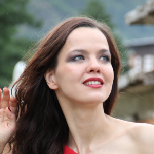 LILIA KHOUSNOUTDINOVA - Odevzdej se!