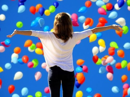 nadšení a radost ženy